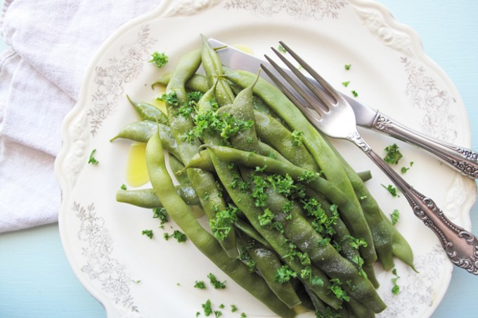 AIP / Steamed Jumbo Green Beans with Fresh Parsley (stage 1 reintroduction)