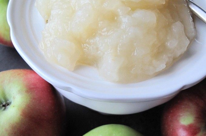 AIP / Chunky Homemade Sugar-Free Applesauce